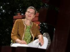 Dichteres met nieuwe bundel terug naar Hummelo, de plek van het 'opvouwbare bos'
