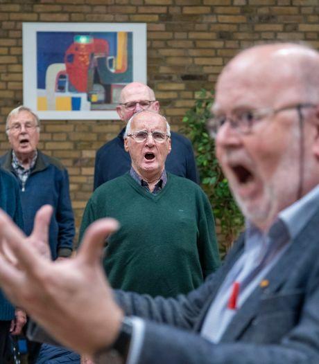Enka Mannenkoor in Ede houdt open repetities: 'Zangervaring is niet nodig'