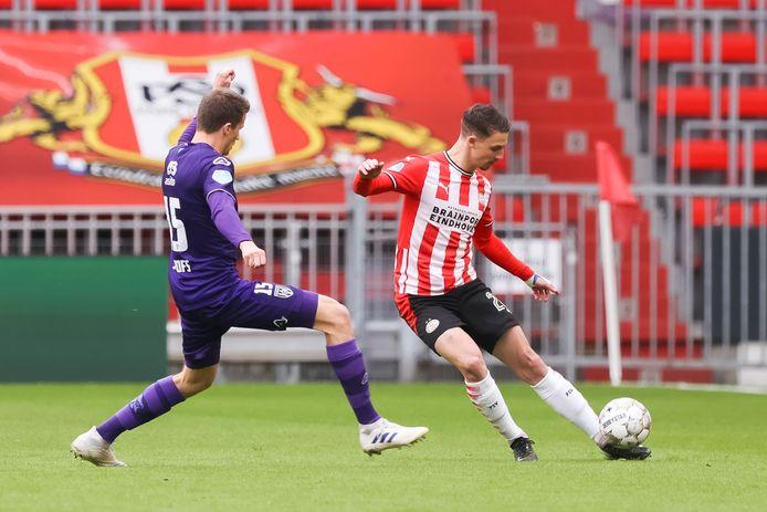 Olivier Boscagli stond met twee assists aan de basis van de 3-0 overwinning van PSV op Heracles Almelo.