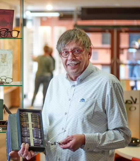 Van Hout Optiek in Veghel na ruim 125 jaar uit de familie; Theo is met pensioen
