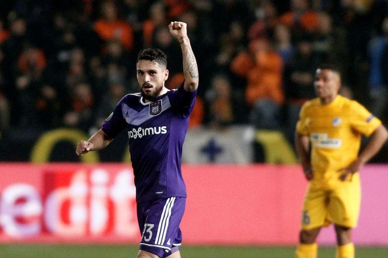 Nicolae Stanciu scoorde de enige goal in de westrijd: 0-1 voor RSC Anderlecht. Beeld Photo News