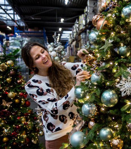 Wilde dieren met mondkapje of een hamburger: dit zijn de trends voor in de kerstboom