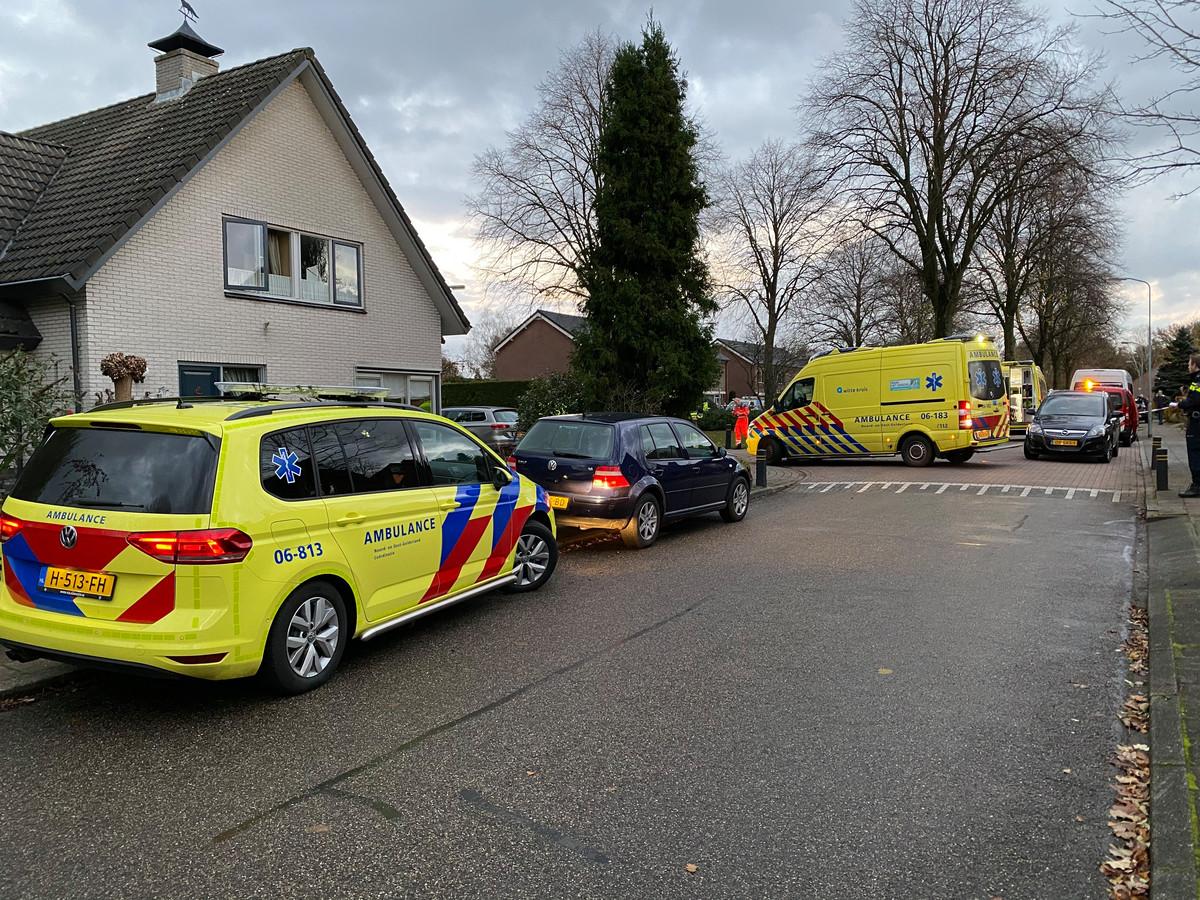 Ambulances op de plek van het ongeluk in Elspeet.