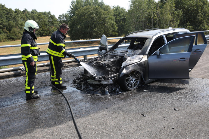 Auto uitgebrand in Roosendaal