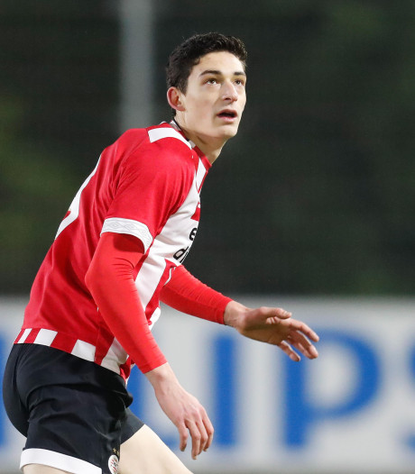 Lange laatbloeier Maxime Soulas geniet bij Jong PSV