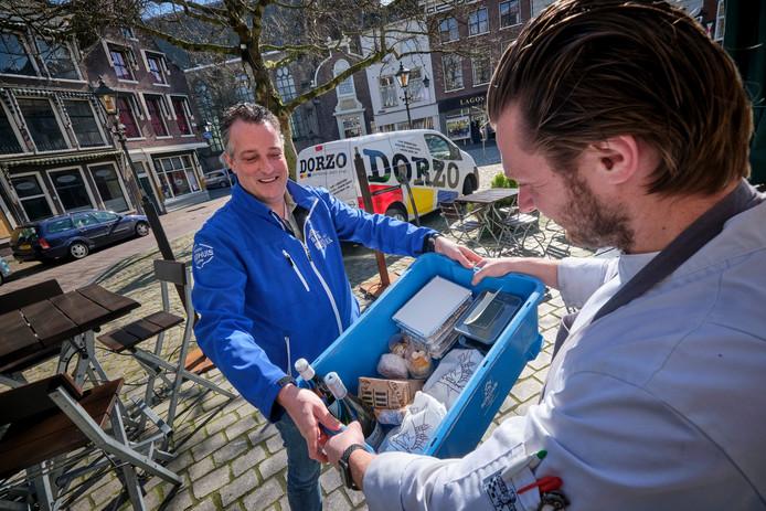 Restaurant Sjiek in Schiedam maakt complete driegangendiners die je kunt laten bezorgen.