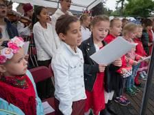 Poolse liedjes bij herdenking in Driel