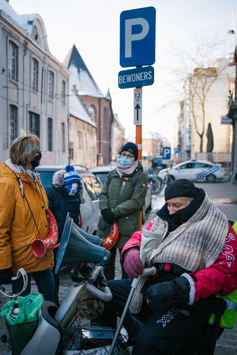 Sommige inwoners hebben hun hele leven niks anders gekend dan de Bernadettewijk. 'Mijn buurvrouw van 83 is er geboren.' Beeld Wouter Van Vooren