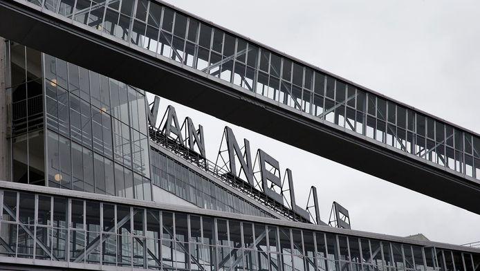 xterieur van de Van Nellefabriek, ontworpen door Leendert van der Vlugt van architectenbureau Brinkman & Van der Vlugt en gebouwd tussen 1925 en 1931.