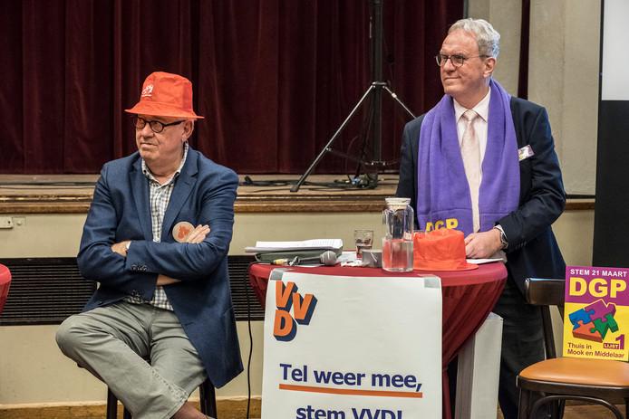 Stan Brinkhoff van de VVD zet de joker in (door het rode Gelderlanderhoedje op te zetten), maar ook Geertjan Wienhoven van de DGP is klaar voor de discussie.