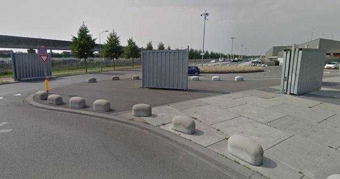 De veiligheidsschemen tussen het stadion en de spoorlijn bij het Rat Verlegh Stadion in Breda.