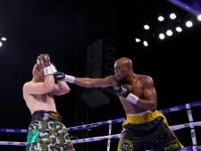 MMA-icoon Anderson Silva (46) klopt bokskampioen Chavez Jr