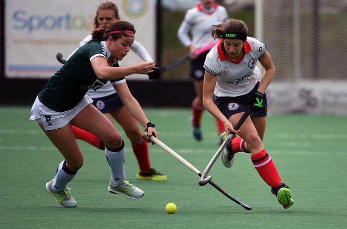 Anne-Sophie Roels (rechts) geraakte met Leuven niet voorbij Waterloo Ducks.