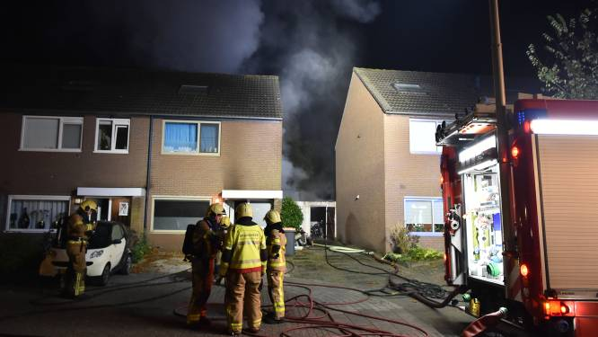 Overkapping in Apeldoorn in brand na feestje in achtertuin