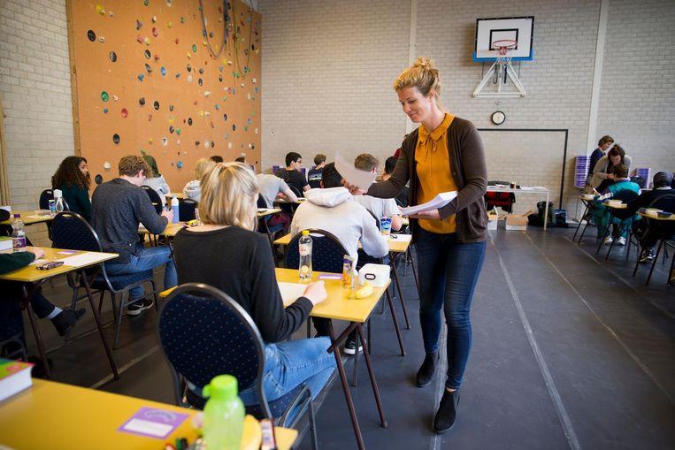 Het eindexamen Nederlands van de eerste examenklas van het Hyperion Lyceum Beeld Rink Hof