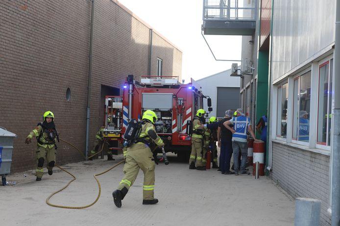 De brandweer heeft het pand na de brand geventileerd om alle rook eruit te krijgen.