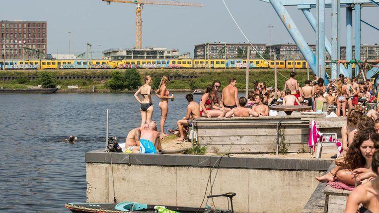 Roest staat in de de top 10 van beste Europese stadsstranden. Beeld Eva Plevier