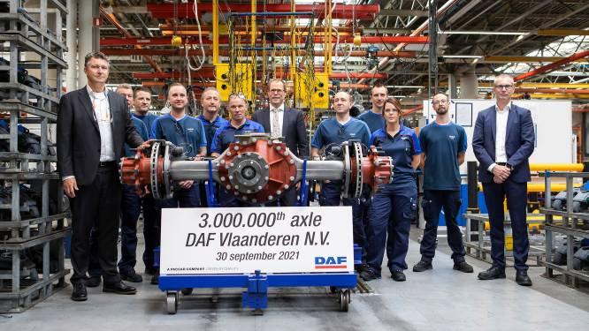 """Drie miljoenste as rolt van band bij DAF Trucks: """"Door grote investeringen houden we volledige productie van assen in eigen hand"""""""