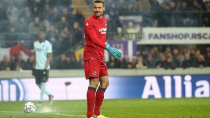 Anderlecht accepteert straf: tribune deels gesloten tegen Zulte Waregem na bommetje richting Mignolet