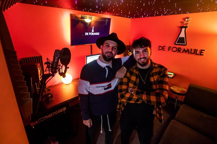 Broers Braihim Mohcin (dj Bombastic) en Younes Mohcin. Aan Fawaka werkte ook Dave Laarman mee .