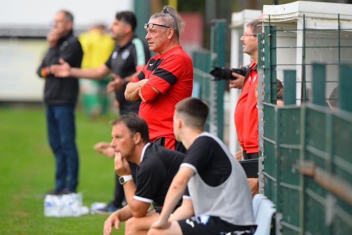 Hulptrainer Jacques Szylar nam de coaching op zich nadat hoofdcoach Carl De Geyseleer verstek had moeten geven door COVID-19.