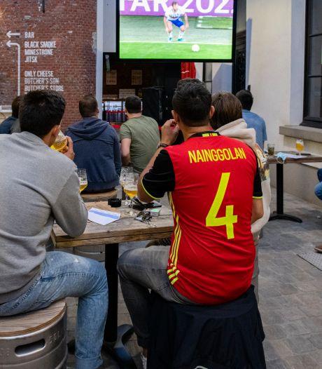 """""""Rechtspringen en elkaar vastpakken, dat zit er jammer genoeg nog niet in"""": sfeer in Antwerpen blijft kalmpjes tijdens eerste EK-match"""