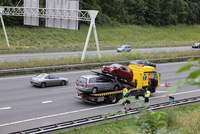 Een berger heeft beide voertuigen afgesleept