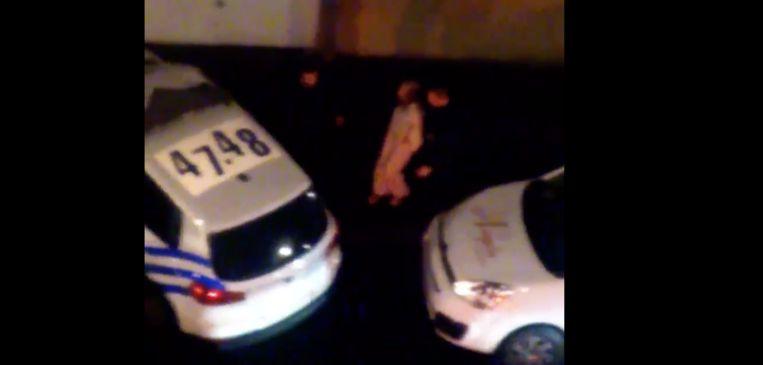De vrouw die politieagenten bedreigde met een kniptang bleek psychologische problemen te hebben.