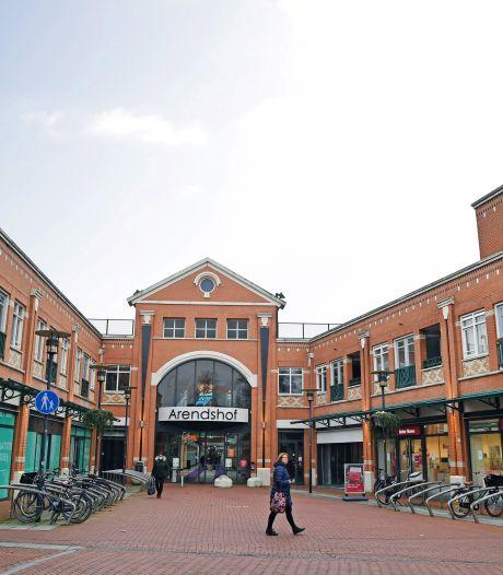 Hoe een winkelcentrum plots het nieuwe thuis wordt van de gemeente Oosterhout: 'Op een bierviltje zijn we als een razende gaan rekenen'