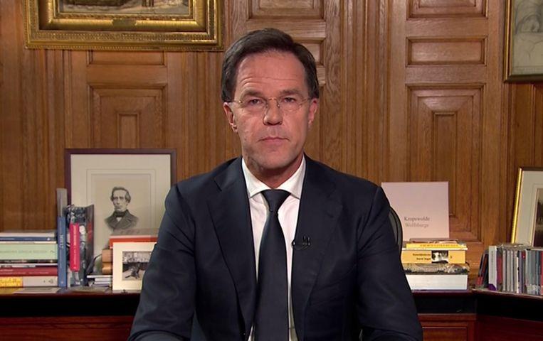 Premier Mark Rutte live op TV  over het coronovirus in Nederland.  Beeld BSR Agency