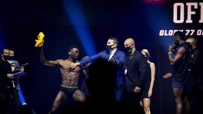 Glory-kampioen ruilt kickbokscarrière in voor MMA: 'Hij lijkt een bom te willen droppen'