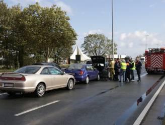 Zware verkeershinder na kop-staartaanrijding op N16