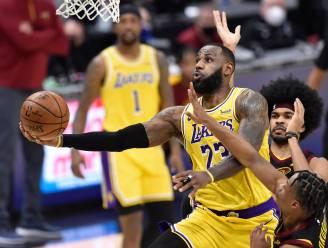 LeBron James loodst Lakers voorbij Cleveland met 46 punten