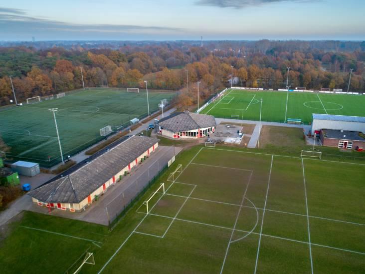 Jacco de Koning mag als nieuwe voorzitter van voetbalclub Zwaluw nieuwbouwplan proberen vlot te trekken