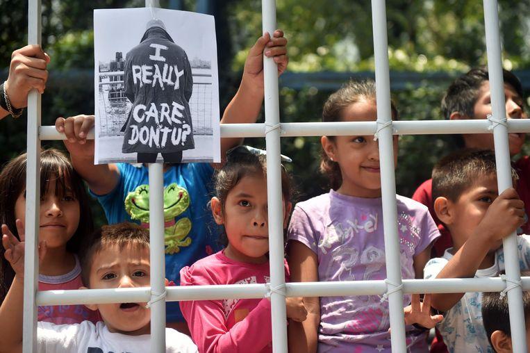 Kinderen in de VS demonstreren tegen het immigratiebeleid van de regering. Beeld AFP