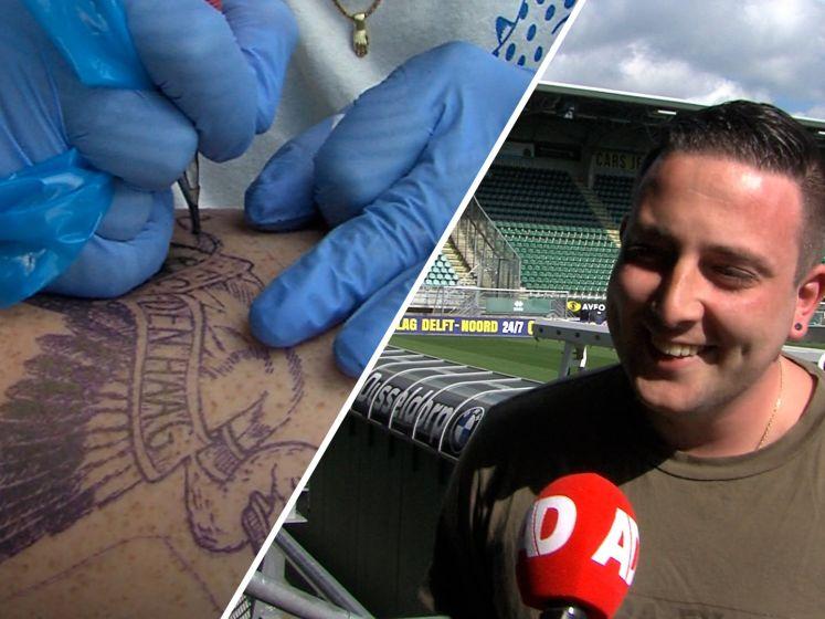 ADO-tattoo voor Quint (29) in het stadion van zijn club: 'Wie maakt dat nou mee?'