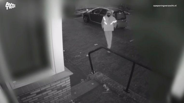 Twee mannen die zich voordeden als pakketbezorger drongen in januari het huis van Balk binnen.  Beeld Opsporing verzocht