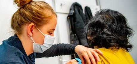 Geprikte Nederlander pakt niet meer vrijheid: 90 procent leeft ook na vaccinatie de coronaregels na