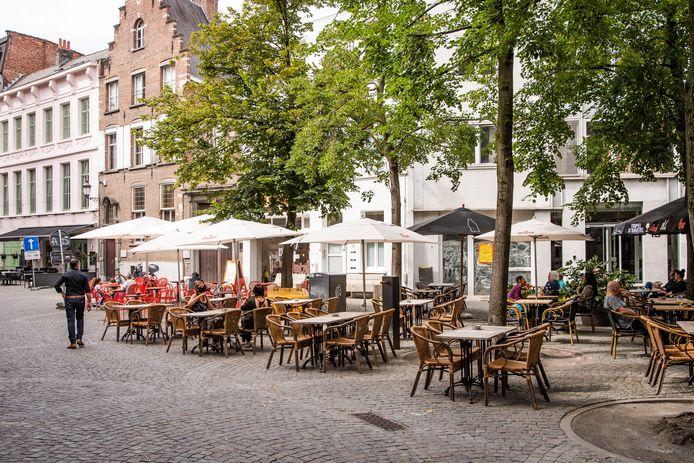 Des terrasses à Anvers, en juillet 2020.