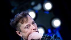 Elon Musk keldert Tesla-beurskoers met reeks bizarre tweets