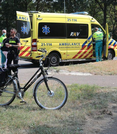 Fietser gewond naar ziekenhuis na aanrijding in Oss