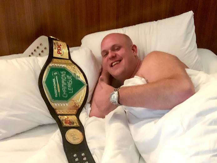 Michael van Gerwen: 'Good night everyone.'