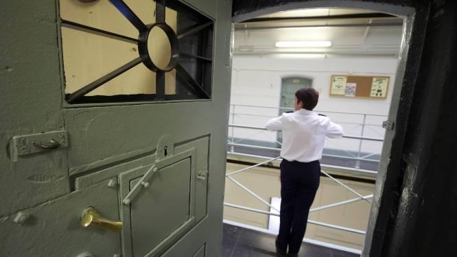 """Van Quickenborne wil dat gevangenispersoneel prioritair gevaccineerd wordt: """"Hun gezondheid staat op het spel"""""""