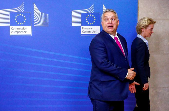 Le Premier ministre hongrois Viktor Orban et la présidente de la Commission européenne Ursula von der Leyen (archives)