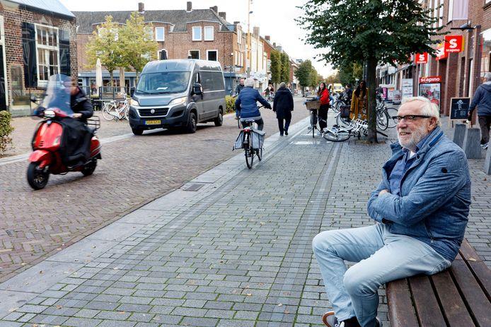 Citymanager Harrie van Herpen maakt zich zorgen over het vele verkeer in het centrum van Schijndel.