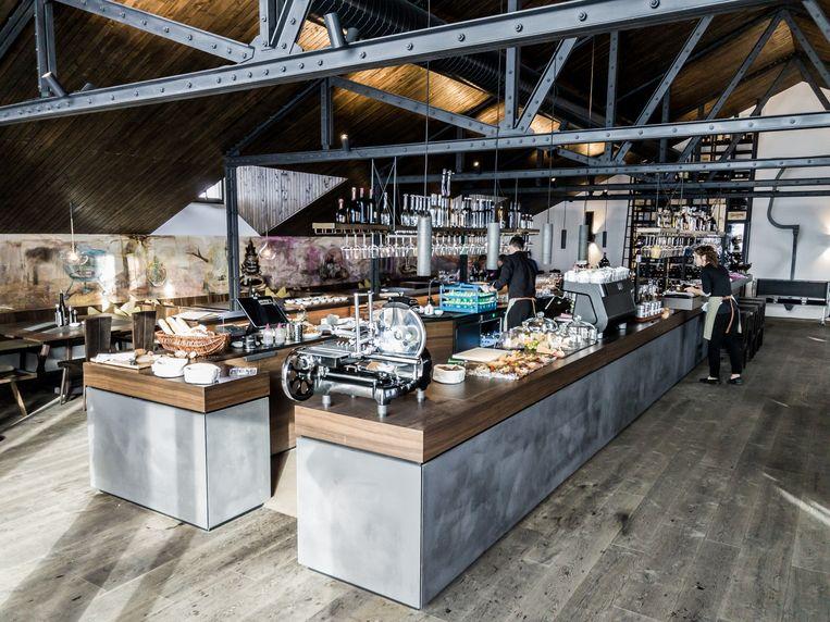 VINNOVA, open sinds vorige maand, is de hoogste wijnbar van heel Vorarlberg. Beeld rv