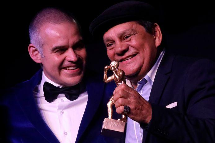 Roberto Duran (à droite)
