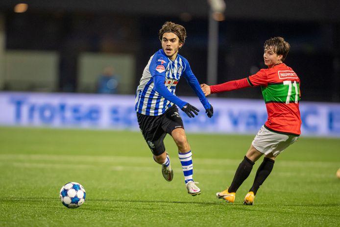 FC Eindhoven in actie tegen NEC.