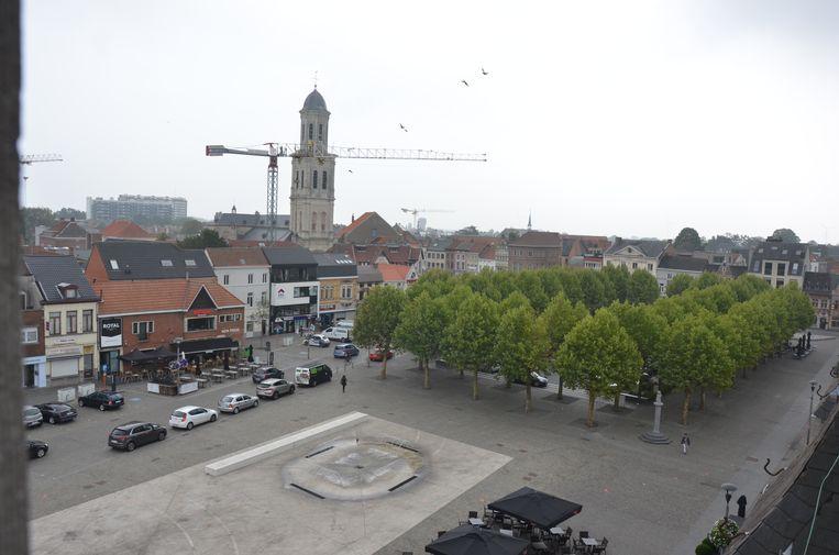 Vanuit het postgebouw heb je een prachtig zicht op de Markt van Lokeren