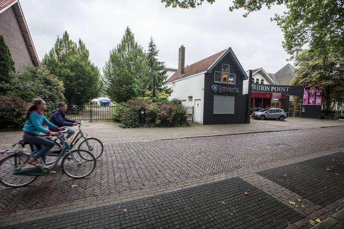 De plek in Valkenswaard waar het hotel moet komen.